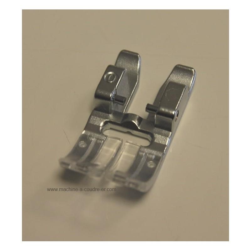 pied standard 6 mm idt pfaff 820250096 pour les machines coudre p. Black Bedroom Furniture Sets. Home Design Ideas