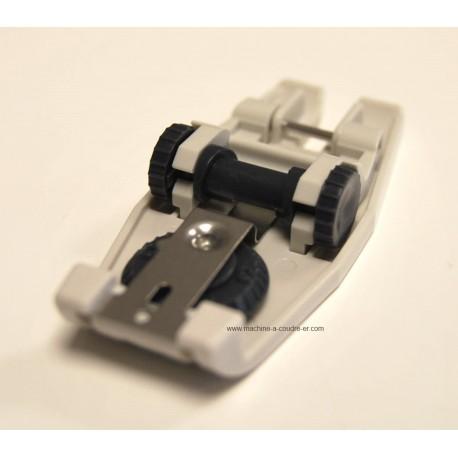 Pied élastique Pfaff 820545096 pour la pose des élastiques